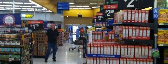 Walmart is one of Lugares favoritos de Cralie.