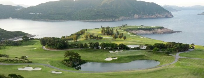 The Clearwater Bay Golf and Country Club is one of Christina 님이 좋아한 장소.