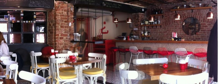 Que Tal Tapas Bar is one of İstanbul Yemek Turu :).