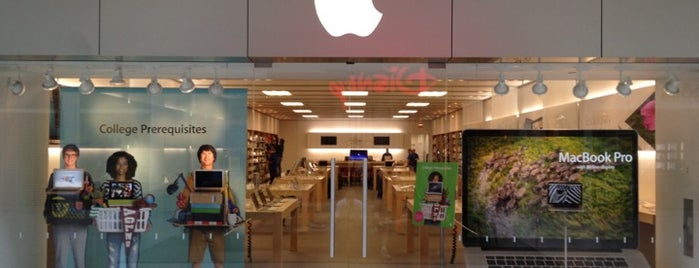 Apple Freehold Raceway Mall is one of SEOUL NEW JERSEY.