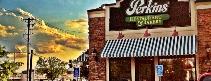 Perkins Restaurant & Bakery is one of Guide to St Paul's best spots.