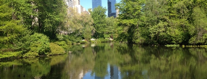 40 Central Park South is one of Rさんのお気に入りスポット.
