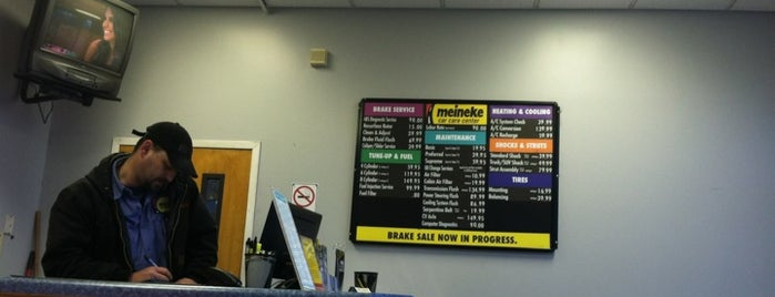 Meineke Car Care Center is one of Orte, die Justin gefallen.