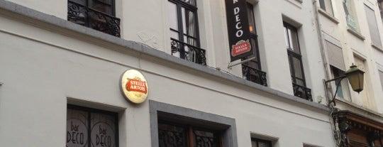 Bar Deco is one of Orte, die Priscilla gefallen.