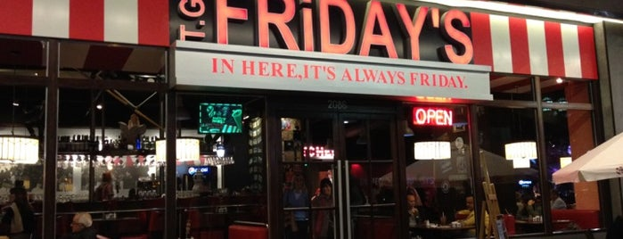 T.G.I. Friday's is one of Lieux qui ont plu à Sabrina.