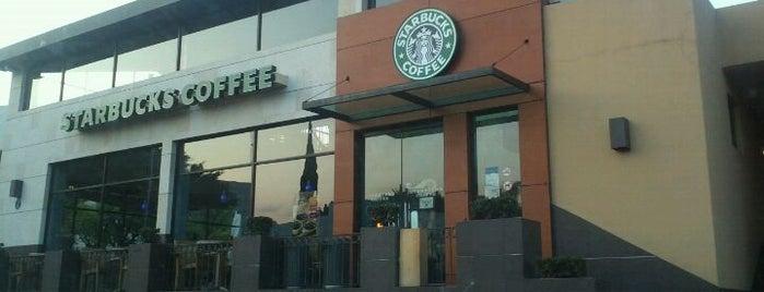 Starbucks is one of Tempat yang Disukai María.