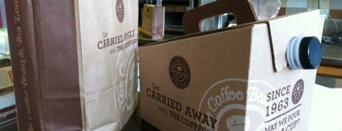 The Coffee Bean & Tea Leaf is one of Lugares favoritos de Krista.