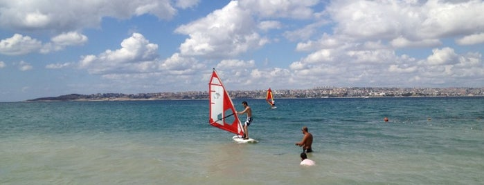 Beylikdüzü Windsurf Club is one of Orte, die Veysel gefallen.