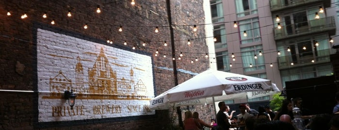 Tavern29 is one of Backyard/roof boozin.