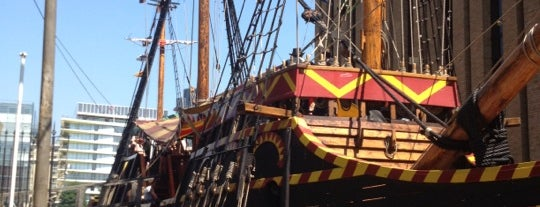The Golden Hinde is one of Kevin'in Beğendiği Mekanlar.