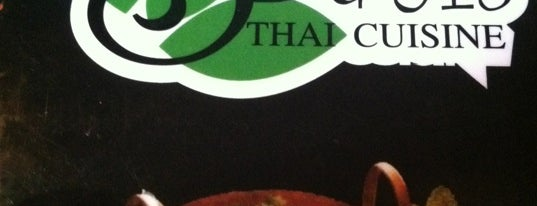 Sweet Basil Thai is one of Lugares favoritos de Roy.