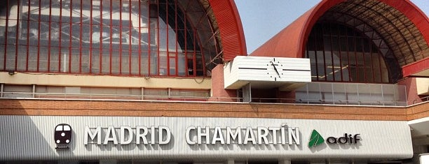 Estación de Madrid-Chamartín is one of Transporte.