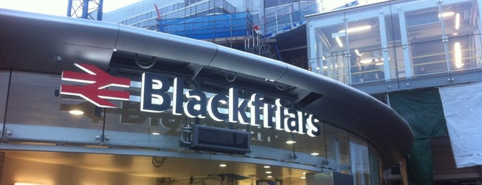 London Blackfriars Railway Station (BFR) is one of สถานที่ที่ Thomas ถูกใจ.