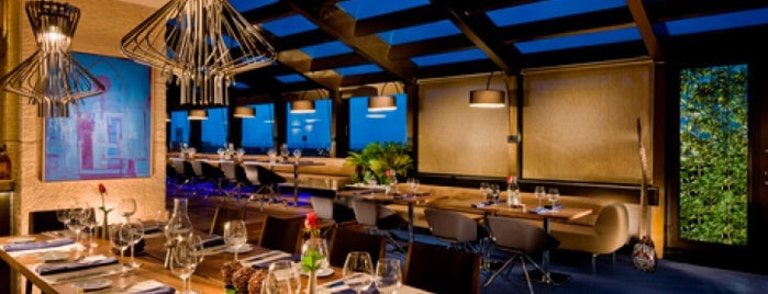 Double Tree By Hilton - Roof Terrace Restaurant is one of İstanbul-Restaurants.