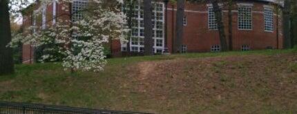 Johns Hopkins University Hodson Hall is one of Priyanka : понравившиеся места.