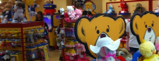 Build-A-Bear Workshop is one of Bob'un Beğendiği Mekanlar.