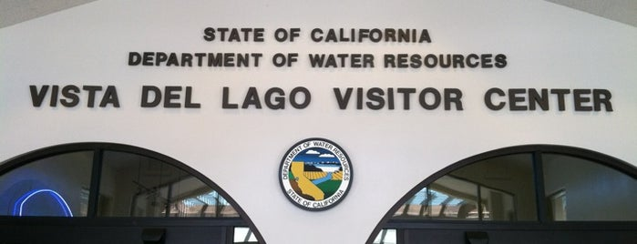 Vista Del Lago Visitors Center is one of Mo's Liked Places.