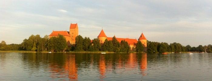 Galvės ežeras is one of Lugares favoritos de Ria.