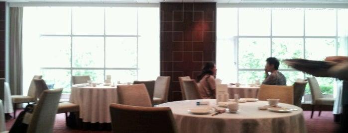 老爺大酒店 Hotel Royal-Nikko Taipei is one of Locais curtidos por Alan.
