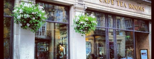 Bettys Café Tea Rooms is one of Lieux qui ont plu à Rachael.