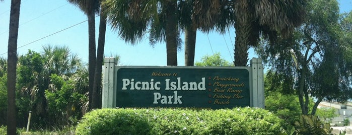 Picnic Island Park is one of St. Pete 🌴💖.