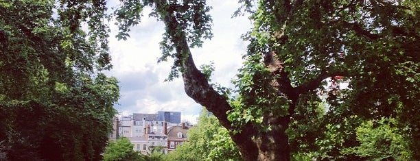 Lincoln's Inn Fields is one of Inspired locations of learning.