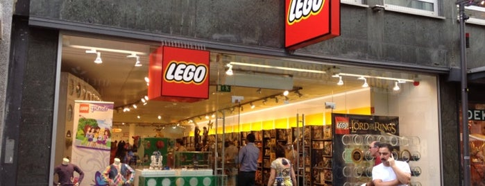 LEGO Store is one of Locais salvos de Leonard.