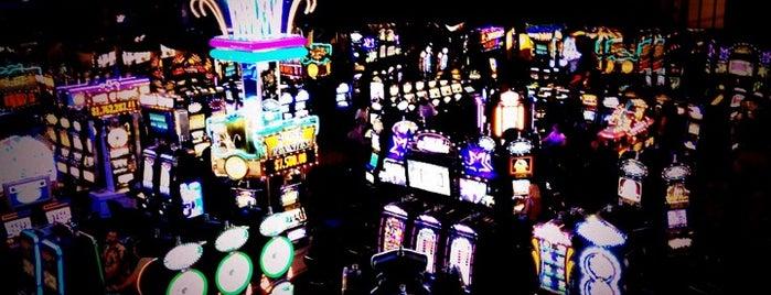 Club Cal Neva Hotel Casino is one of Rudy 님이 좋아한 장소.