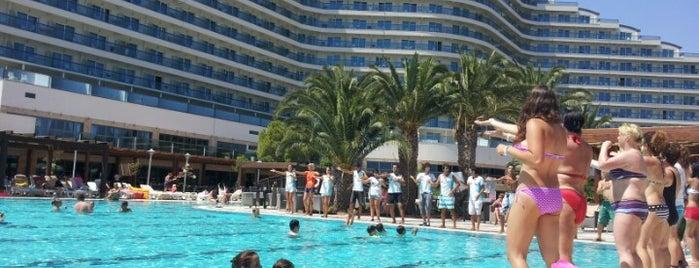 Venosa Beach-Resort & Spa is one of สถานที่ที่ SUAT YALÇIN ถูกใจ.