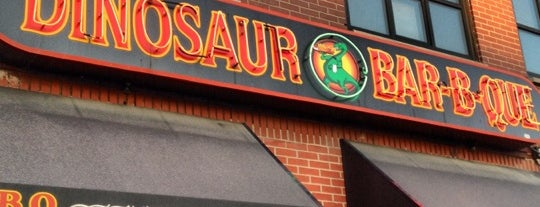 Dinosaur Bar-B-Que is one of Locais curtidos por Emily.