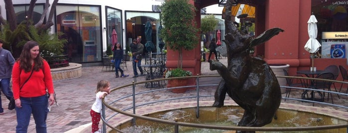 Town Center Corte Madera is one of Arthur's Main list of things to do..