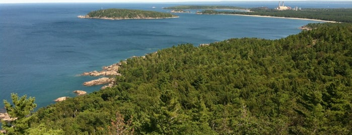 Sugarloaf Mountain is one of Upper Peninsula.
