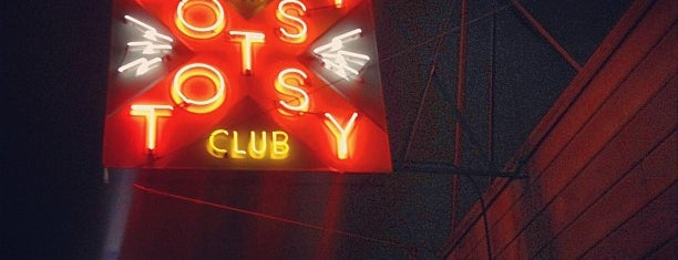 Hotsy Totsy Club is one of Locais curtidos por Rob.