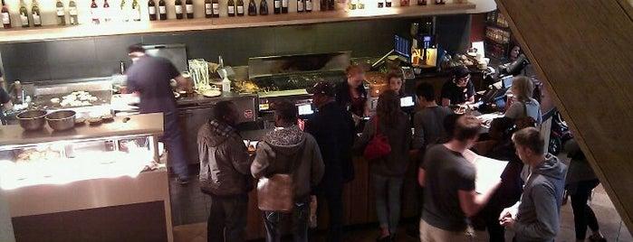 Nando's is one of Lugares favoritos de Carl.