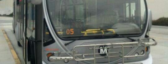 North Hollywood MTA Metro Red Line Bike Lockers is one of Mo : понравившиеся места.