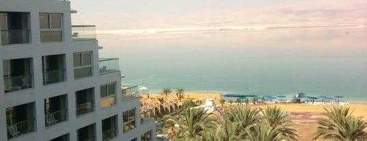 Isrotel Dead Sea Hotel is one of สถานที่ที่ Julia ถูกใจ.