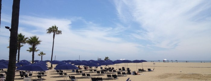 Jonathan Beach Club is one of LA Places.