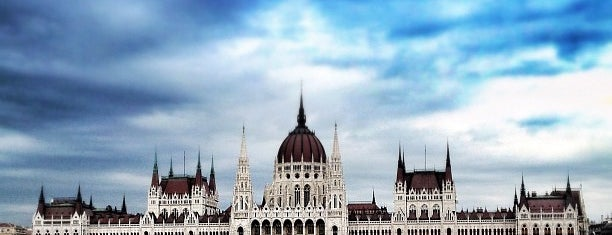Parlament is one of Buda.