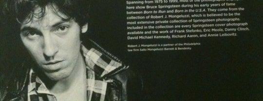 Bruce Springsteen Exhibit is one of Lugares favoritos de Paul.