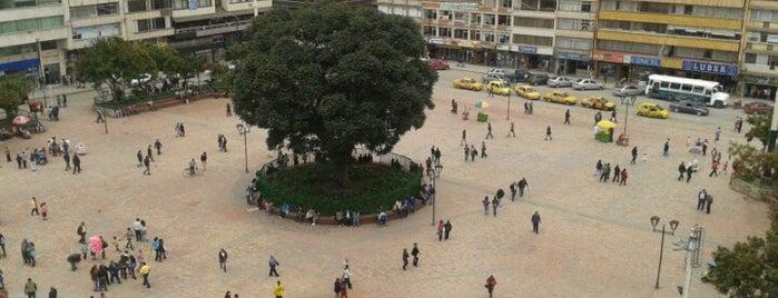 Plaza de los Libertadores is one of Claudio'nun Beğendiği Mekanlar.