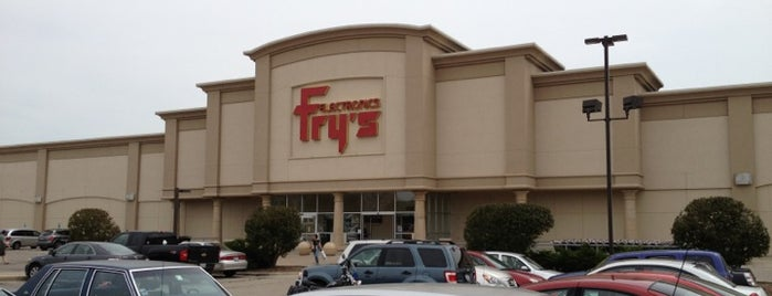 Fry's Electronics is one of Lugares favoritos de Alberto J S.