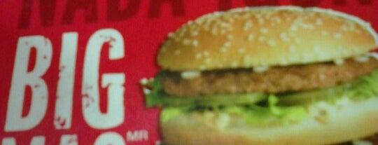 McDonald's is one of Locais curtidos por Fernando.