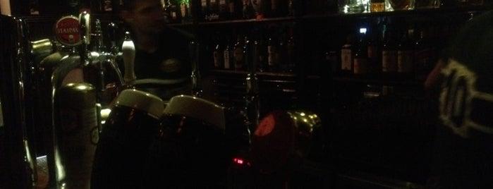 All Black Irish Pub is one of Barzinhos e Pubs.