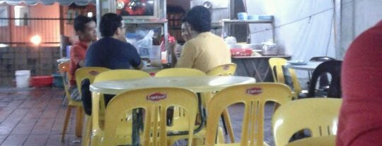 Mamak Lorong is one of Locais curtidos por Jeremy.