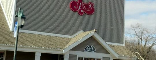 Arnies Bakery & Restaurant - Old Mill is one of Summer Eats.