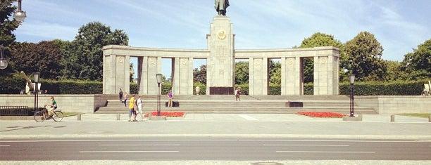 Platz der Republik is one of BERLIN.