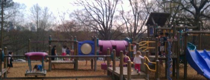 Chastain Park Playground is one of ed 님이 좋아한 장소.
