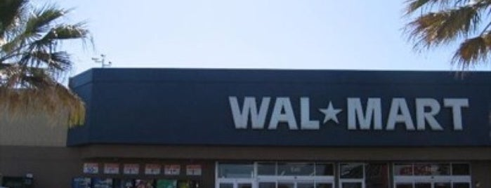 Walmart is one of Lieux sauvegardés par Priscila.