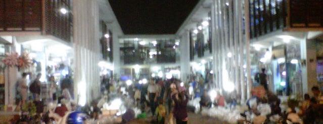 Pasar Ikan Hias Gunung Sari is one of Characteristic of Surabaya.