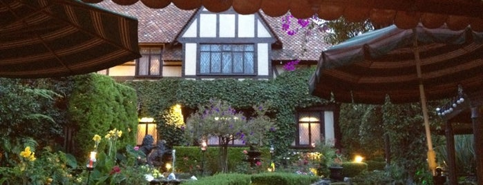 Sir Winston Churchill's is one of Mexico City Best-of-a-Kind Restaurants.